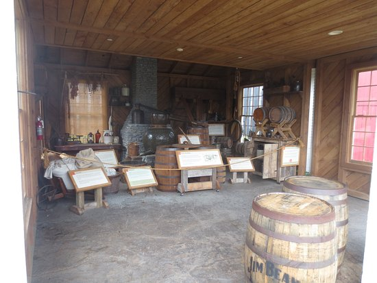 Clermont, Кентукки: Bourbon made the early days.