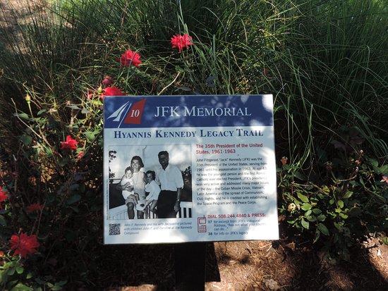 John F. Kennedy Memorial: JFK Memorial