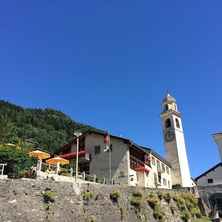 Soglio, سويسرا: ideal am Ortseingang / Parkplatz