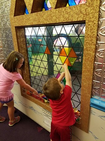 Dover, NH: Children's Museum of New Hampshire