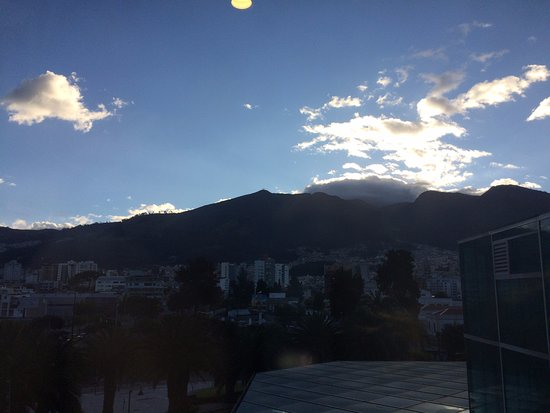 JW Marriott Hotel Quito: Looking out the window at Sunset