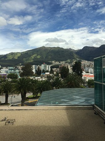 JW Marriott Hotel Quito: Looking out the window in the morning