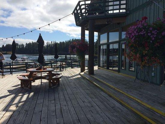 Quathiaski Cove, Canadá: The patio