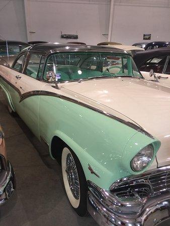 Summerland, Canada: Nixdorf Classic cars