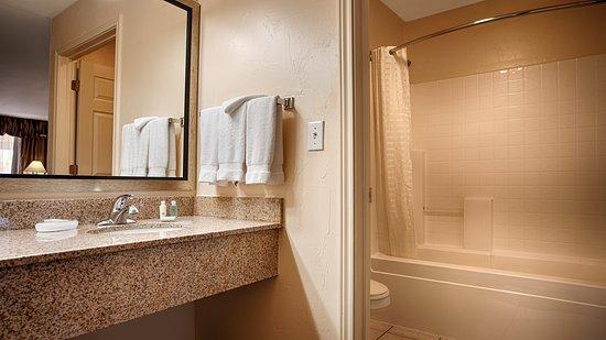 Snyder, تكساس: Guest Bathroom