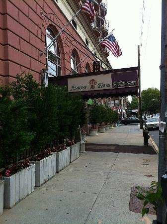 Avenue Plaza Hotel: Side view of hotel entrance on 47th Street and 13th Avenue, Brooklyn NY