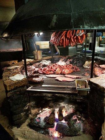 Driftwood, TX: Great BBQ