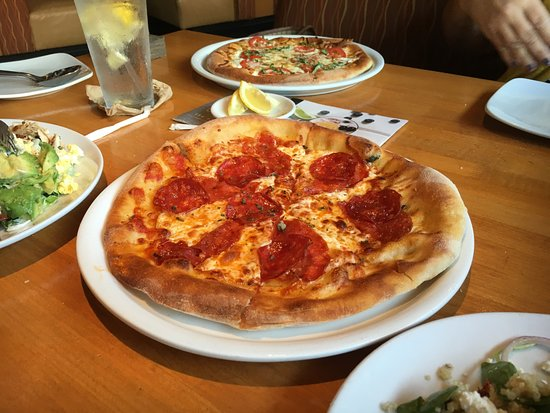 Great CPK location - Review of California Pizza Kitchen, Brandon, FL ...