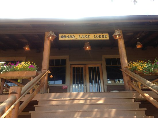 Grand Lake Lodge: The lodge