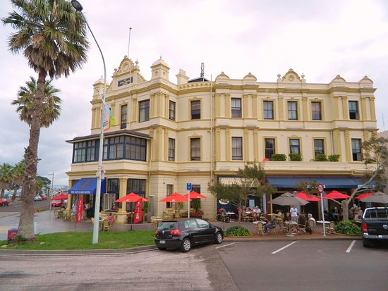 Devonport, Nueva Zelanda: The Esplanade Hotel Bar & Grill