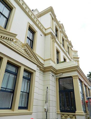 Devonport, Νέα Ζηλανδία: The Esplanade Hotel Bar & Grill