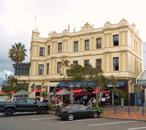 Devonport, Νέα Ζηλανδία: The Esplanade Hotel
