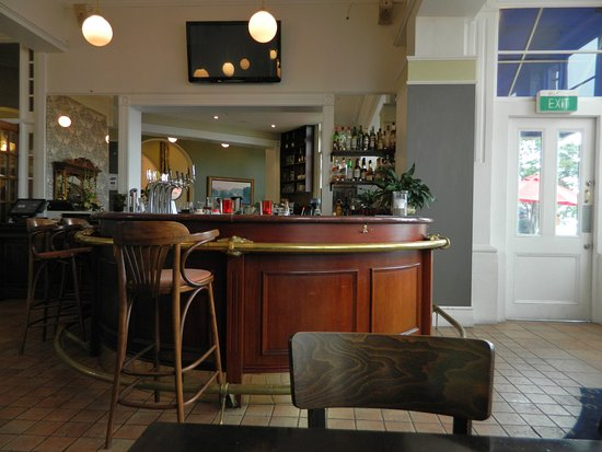 Devonport, Nya Zeeland: The Esplanade Hotel Bar & Grill