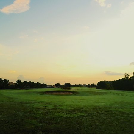 River Strand Golf & Country Club