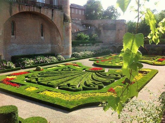 Jardin de la berbie picture of les jardins de la berbie for Le jardin des quatre saisons albi