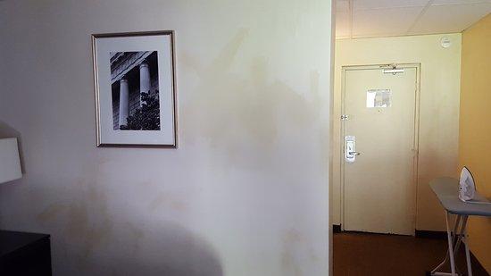 Rockaway, نيو جيرسي: discolored paint