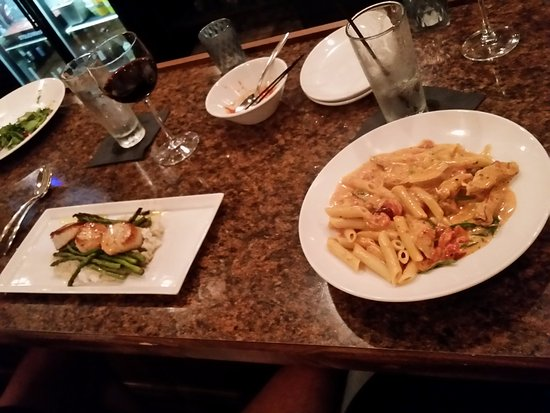Akron, OH: Scallops and Chicken Penne w/Vodka sauce
