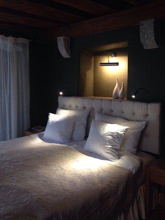 Three Sisters Hotel: photo0.jpg