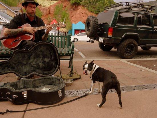 Ruxton's Trading Post : Troubador outside Manitou stores
