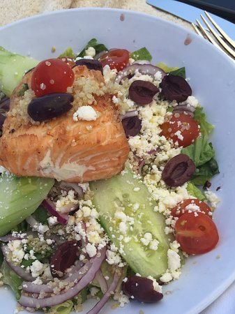 Mosaic Bar and Grille: Huge piece of perfectly grilled salmon atop Greek salad loaded with ingredients. Expensive but y