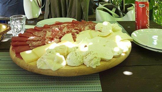 Valganna, Italie : 20160823_005404_large.jpg