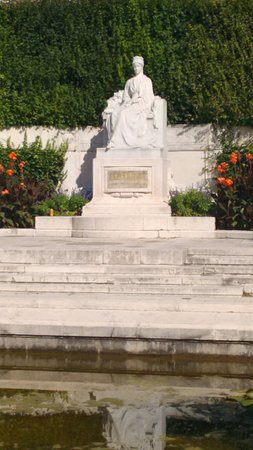 Monument  to Empress Elisabeth: Sissi