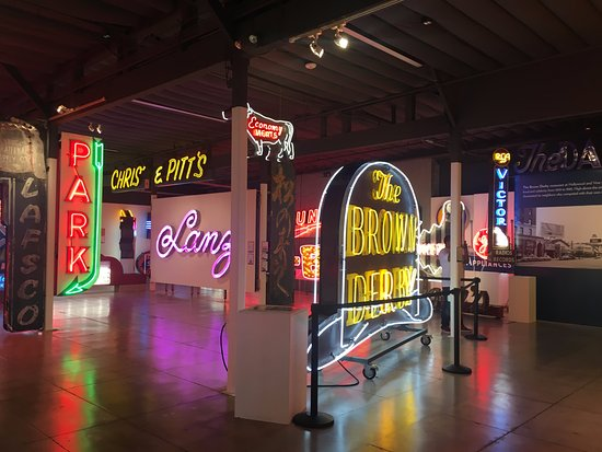 Glendale, Californië: Museum of Neon Art