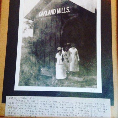 Mount Pleasant, Айова: Oakland Mills depot, I believe.