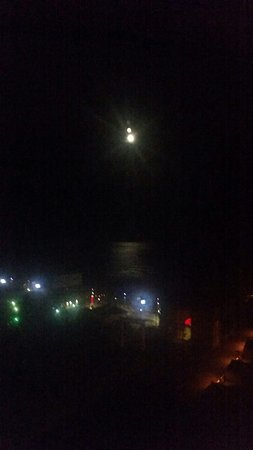 Bally's Atlantic City : View of the moon shining off the Atlantic Ocean. Bally's Tower, 21st floor. Good stay.