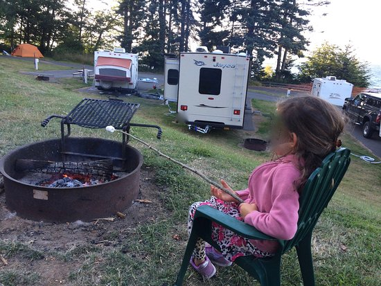 Port Angeles, WA: RV/hookups area