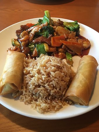 Peachtree City, GA: Happy Family - my favorite meal at my favorite Chinese restaurant.