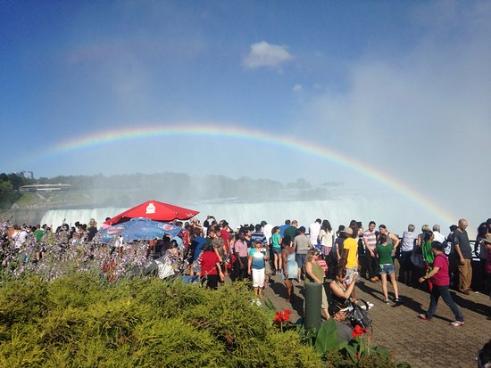 E-Lodge Near the Falls: Bank holiday crowds!