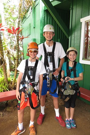 Koloa, Гавайи: The grandkids ready to go!