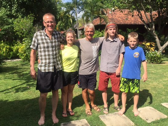Pemuteran, อินโดนีเซีย: Happy certified divers! Adrian, our instructor, in the middle.