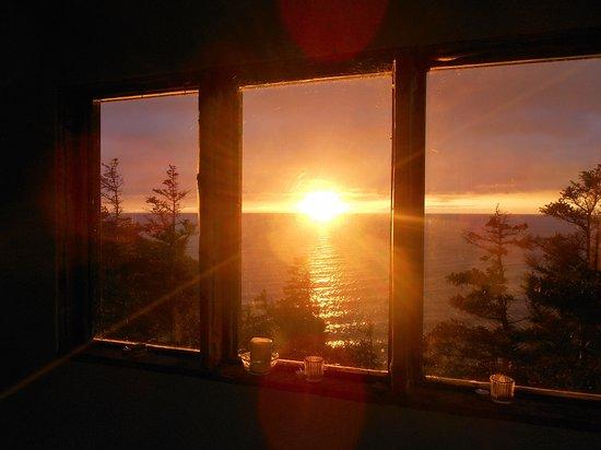 Pleasant Bay, แคนาดา: Sunset