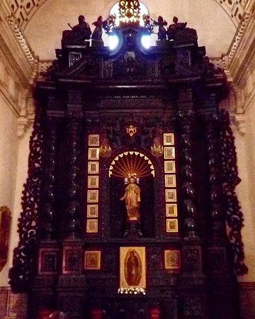 San Pedro Church (Iglesia de San Pedro): Iglesia San Pedro, Lima: Retábulo de Santo Inácio (foto Eduardo Campos)