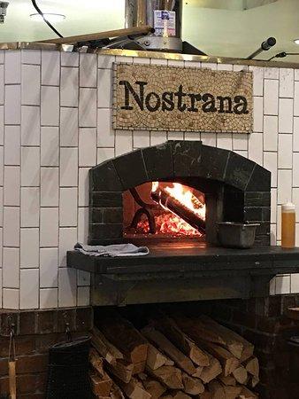 Nostrana: Pizza oven