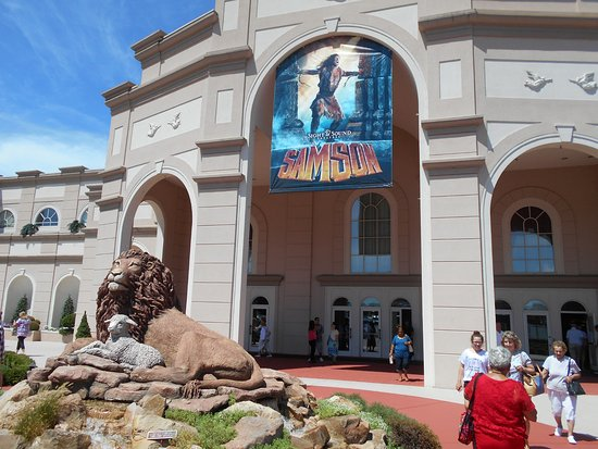Sight and Sound Theatres : Entrance
