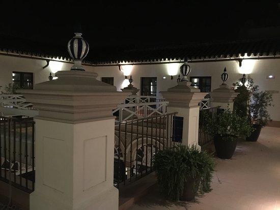 Hotel Palacio de Villapanes: Courtyard