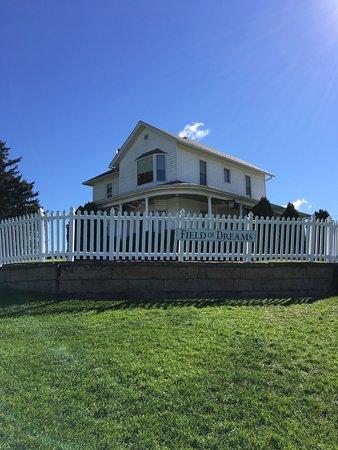 Dyersville, IA : House