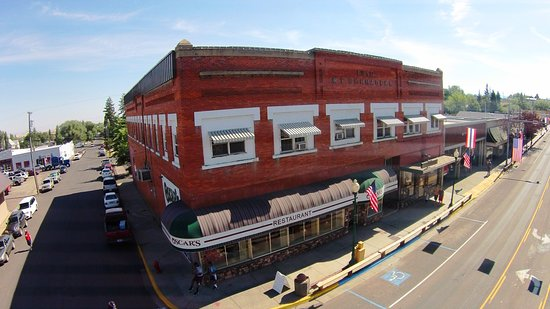 Grangeville, ID: Oscars Restaurant and Lounge - Main Street downtown