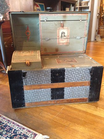 New Market, VA: Late 1800 Bridal Chest