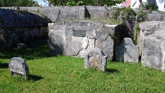 St. George, Islas Bermudas: This tombstone shows 1757-1831!