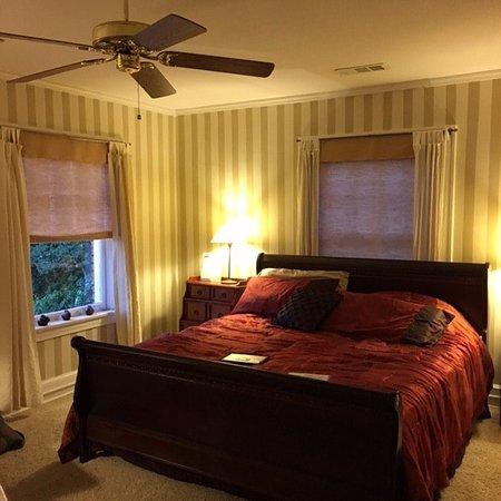 Excelsior Springs, MO: Stripe Room