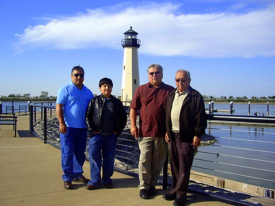 Rockwall, TX: Three generations by the lighthouse