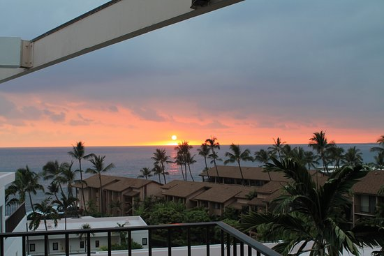 Outrigger Royal Sea Cliff: View from balcony