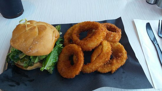 Port Hope, Kanada: Onion rings! On of the best onion rings ever!