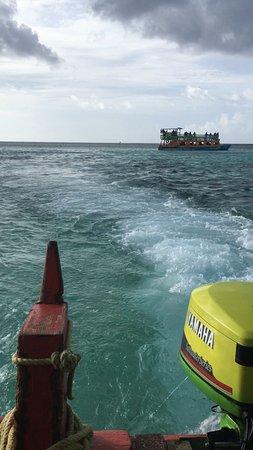 Turtle Beach by Rex Resorts: Glass bottom boat heading to Nylon Pool