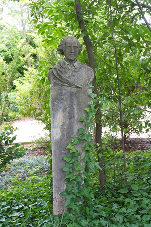 LaGrange, GA: Plato in the Gardn