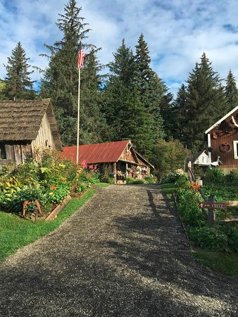 Crow Creek Mine: Beautiful historic buildings